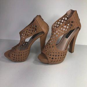 """IZABELLA RUE - SZ 8- Open-Toe Sandals- 5.5"""" heels."""